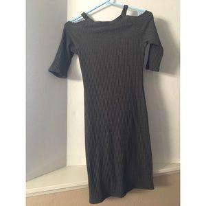 NYTT grey long sleeve shoulder cut out dress